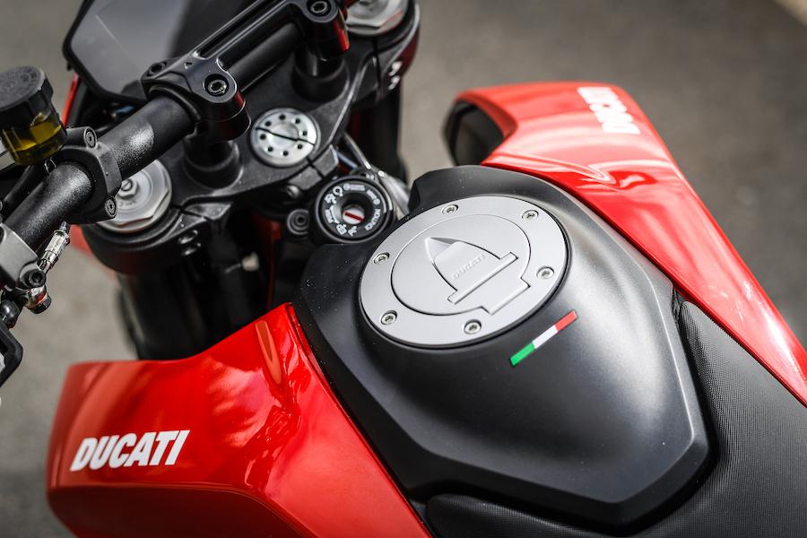 Hypermotard_950_Ducati