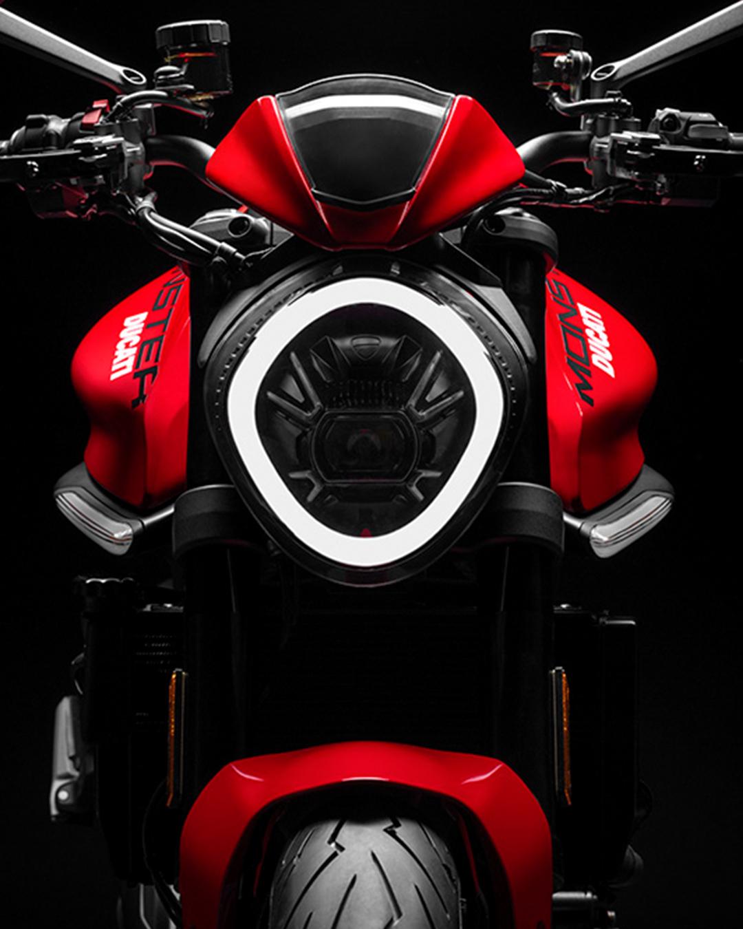 Ducati_IG_0212_Post_01_d_UC214711