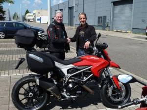 Ducati Dealer Amsterdam:Ducati Hyperstrada de hr. Chardet