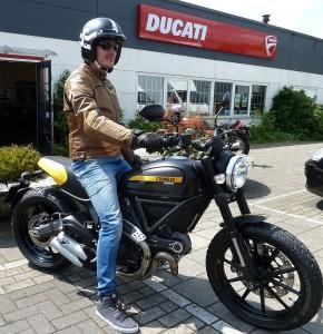 Ducati Dealer Amsterdam: Ducati Scrambler Full Throttle John