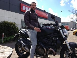 Ducati Dealer Amsterdam :Verlinden Ducati Monster 821 Dark