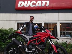 Ducati Dealer Amsterdam : Chris Ducati Hypermotard 939