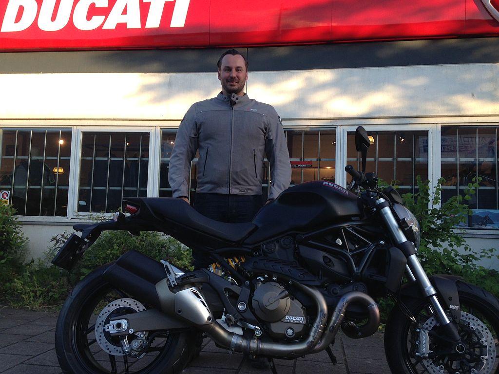 Ducati Dealer Amsterdam: Joris Ducati Monster 821 Dark
