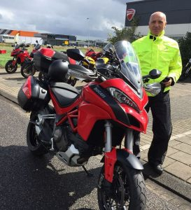 Ducati Multistrada 1200 S Touring kopen bij de Ducati dealer Amsterdam