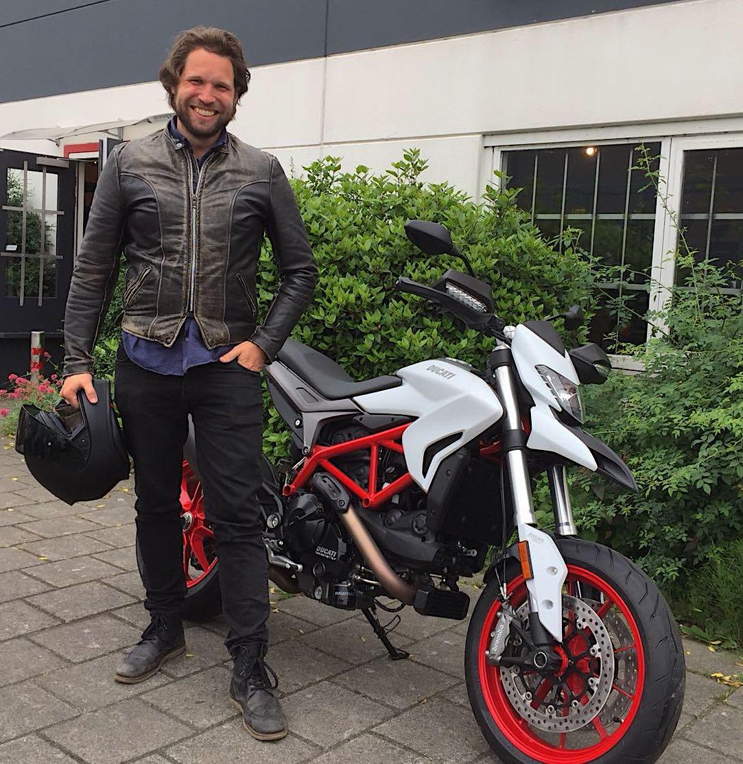 ducati motor kopen kijk bij ducati amsterdan motortoer service staat voorop