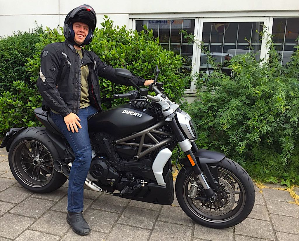 ducati motortoer gespecialiceerd in ducati