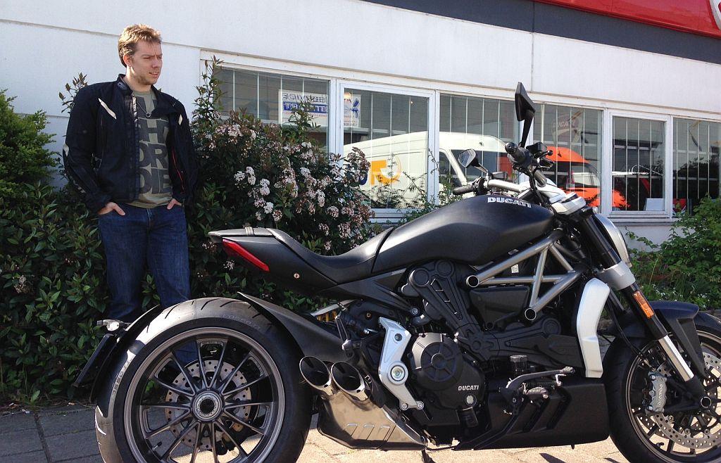 Ducati XDiavel kopen bij Motortoer Ducati dealer in Amsterdam