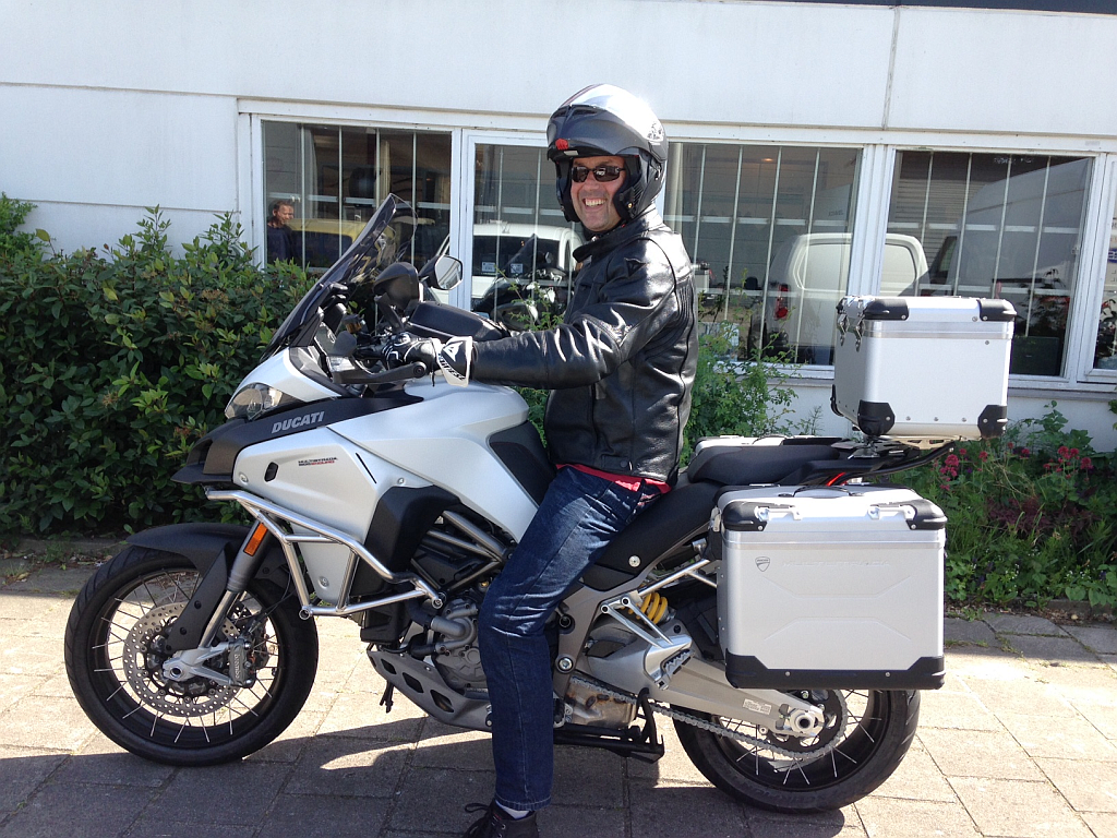 Koop de Ducati Multistrada 1200 bij Motortoer de Ducati dealer in Amsterdam