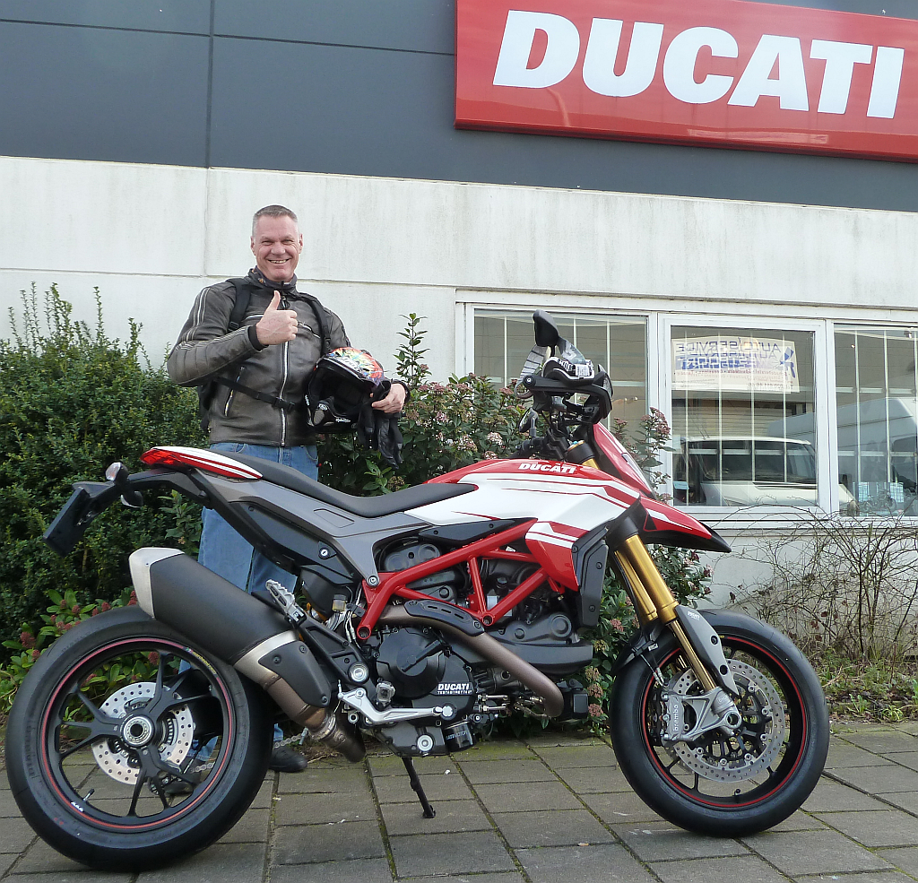Ducati Hypermotard koop je bij ducati dealer amsterdam motortoer